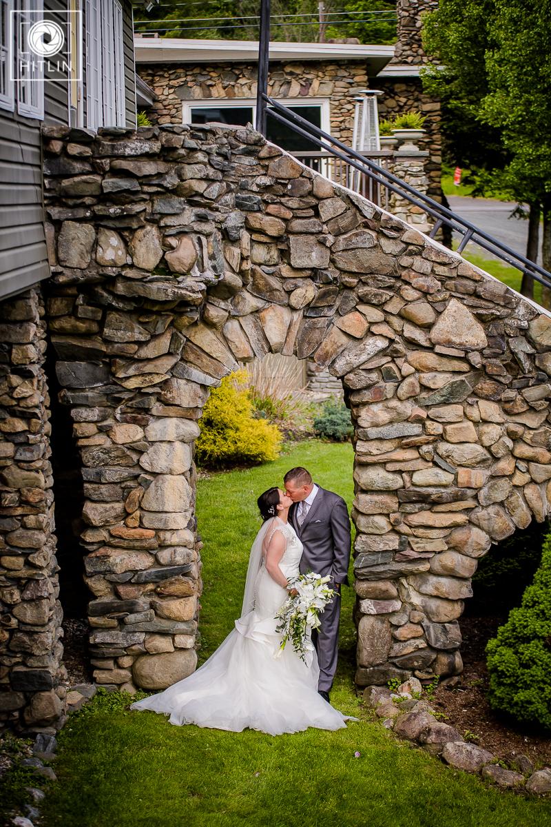 old daley inn on crooked lake house wedding photo_011_9083